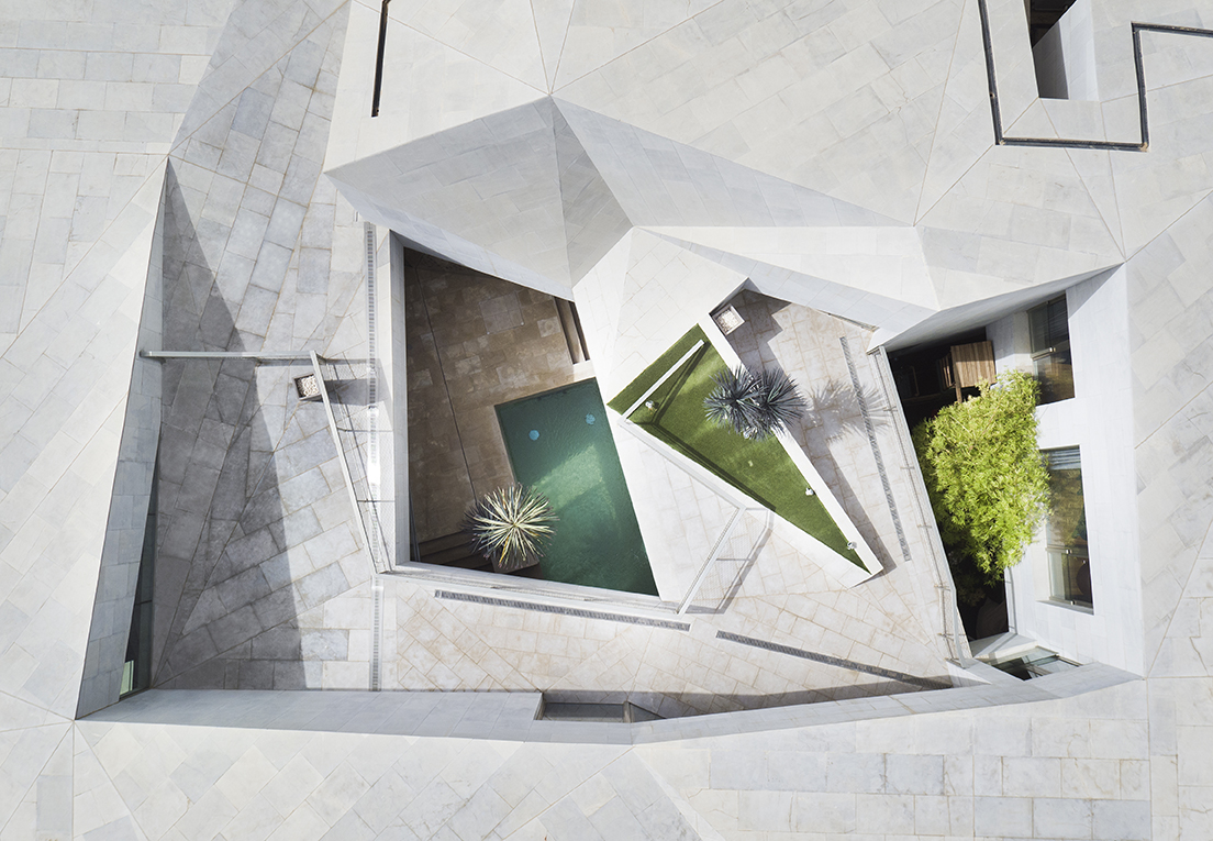 2007 Alumni Updates Categories Harvard Gsd Grounded Visionaries - The-contemporary-black-and-white-house-by-agi-architects